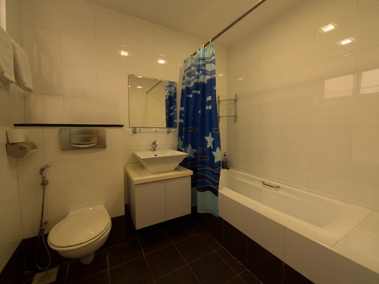 B101-Bathroom-02