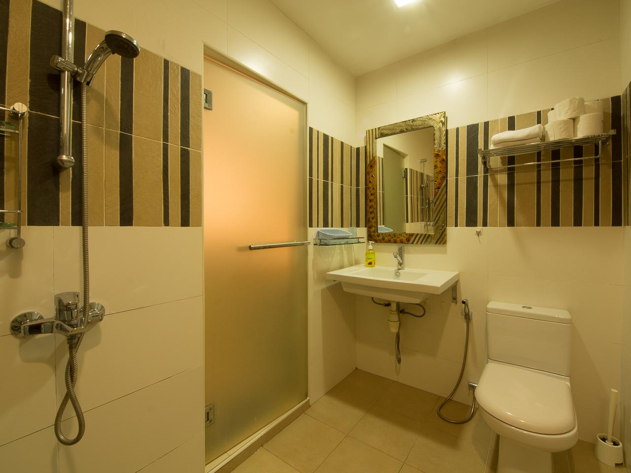 B101-Bathroom-03